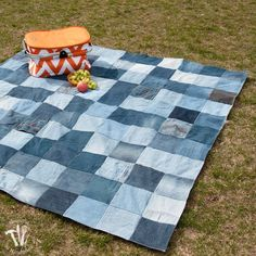 Get ready for picnic season with this DIY water-resistant blanket.