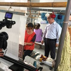 Mr. Han, director of Yilong Carpet Group, is in our work shop. www.yilongcarpet.com