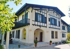 La Maison Du Marquis A Biarritz Maison D Hotes Cote Basque Architecture Neo Basque Biarritz Maison France 5 Maison D Hotes