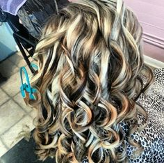 I want this with pink lowlights!!! 9303c67527893aa362f27ae52a311246.jpg (628×624)