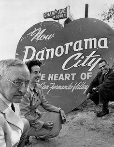 Heart-shaped Panorama City sign   [graphic] Woods, Jon.