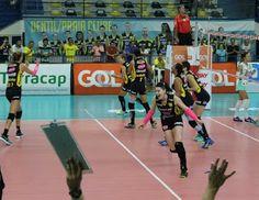 Blog Esportivo do Suíço: Praia Clube bate Brasília de virada e sai na frente nas quartas da Superliga
