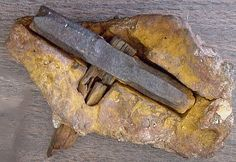 Max And Emma Hahn were walking along Red Creek, near their home in London, Texas, when they spotted a rock nodule with a piece of wood sticking out from it. Some time later their son George broke it open, to reveal a metallic hammerhead in the centre of the nodule, to which the wooden handle was attached.The creationist Carl Baugh purchased the object and began to promote it as 'the London Artifact' at his Creation Evidence Museum. Click thru for whole story.