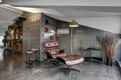Skechers TR-Manager's Room designed by Zemberek Design #interiordesign #interior #interiordesignideas #interiorstyling #homeoffice #officedesign #plants #concretefloor