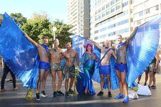 Thousands are proud of Sydney Mardi Gras 2016 People celebrating Mardi Gras Sydney 2016 Mardi Gras Sydney, Mardi Gras Outfits, Mardi Gras Parade, Mardi Gras Beads, Tutu Outfits, Oxford Street, Sydney Evan, Raglan Shirts, Pride