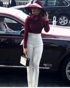 so Gorgeous jlo red highwaistedpants hat glasess makeup style stylesoextra fashion Mode Outfits, Fall Outfits, Casual Outfits, Fashion Outfits, Fashion Trends, Women's Casual, Classy Chic Outfits, Fur Vest Outfits, Classy Outfits For Women