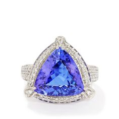 A stunning Ring from the Lorique collection, made of 18k White Gold featuring 6.80cts of amazing AAA clarity Tanzanite with sparkling Diamonds.