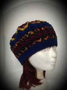 fdb59f11d33fb5 Multicolour blauw met bordeaux rode dames baret muts Rainbow €25