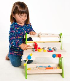 Buzzing Brains Workbench | Kiddicare