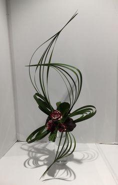 Tropical Floral Arrangements, Church Flower Arrangements, Fleur Design, Chelsea Flower Show, Plant Art, Fake Flowers, Ikebana, Blog, Plant Hanger