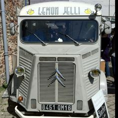 Lemon jelli mobile coffee van - Totnes food fair. nice flat White with a Edith piaf sound track!