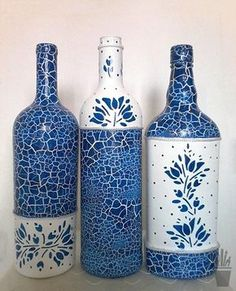 How To Decoupage On Glass Bottle With Pizzi Goffre Technique - The Fairy Pin Recycled Glass Bottles, Glass Bottle Crafts, Wine Bottle Art, Painted Wine Bottles, Diy Bottle, Bottles And Jars, Paint Bottles, Decorated Bottles, Mosaic Bottles