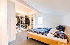 Fertighaus Wohnidee   Schlafzimmer #ankleide #ankleidesystem #Schlafzimmer  #Bett #schlafen #Kleiderschrank