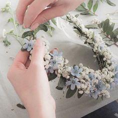 @traustube posted to Instagram: Sommerzeit ist Blumenzeit! 🌸🌿 Und in dieser Zeit gibt es wohl kein schöneres Accessoire, als einen hübschen Blumenkranz. Wir freuen uns schon jetzt auf unseren nächsten Flowercrown-Workshop am Wochenende. Immer wieder ein tolles Highlight für einen JGA oder auch einfach einen schönen Sommertag. Wenn auch ihr gerne mal an einem solchen Workshop teilnehmen würdet, meldet euch gerne bei uns. #junggesellinenabschied #hochzeit #bridetobe2019 #jungge