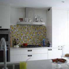 mosaico na parede - deveria subir até o teto