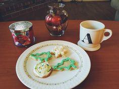 Christmas Sugar Cookies Recipe! Receita de Biscoitos de Açúcar Natalinos! Oi gente, hoje tem receita natalina no blog! Fiz uns biscoitinhos de Açúcar dilicia! Confere o link na Bio e AQUI➡http://andreasantana.com/2015/12/biscoitos-de-acucar-natalinos/ ---------------------------------------------------- Hi ya'll there's a Christmas recipe on the blog today! Check out the link in Bio or above ⬆️! #christmascookies #christmas #recipe #fashionblogger #blog #wordpress