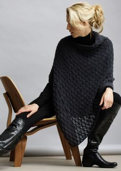 Free Knitting Patterns : This poncho is made from a simple rectangle, folded and sewn along one edge, with a gap remaining at one side for neck opening. Love Knitting, Poncho Knitting Patterns, Knitted Poncho, Knitted Shawls, Knit Patterns, Poncho Sweater, Knit Or Crochet, Crochet Shawl, Vetements Paris