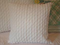 "18"" Vintage White Chenille Pillow Cover"