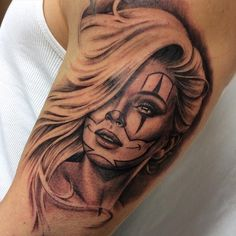 «#clowngirl from today. Start of a sleeve...#victorportugalneedles #darktimesmachines #bishoprotary #danielvogtart #soulmatetattoo #sullenclothing #aachen…»