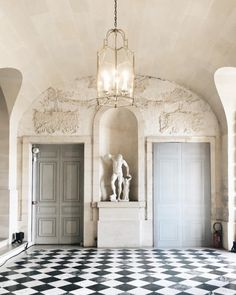 little known fact about versailles: that fire extinguisher in the corner is an original! how neat is that! Palaces, Le Palace, Chateau Versailles, Bath And Beyond, France, Fire Extinguisher, Garden Styles, Oversized Mirror, Interior Decorating