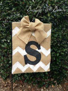 Burlap Chevron Garden Flag, I can easily make this!