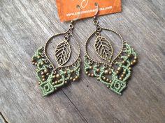Macramé earrings Boho Leaf Custom order por creationsmariposa