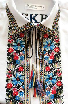 Домоткане полотно, ручна вишивка хрестиком,автентичний орнамент.В наявності розмір М.