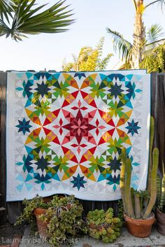 Quilting Tutorials, Quilting Projects, Quilting Designs, Quilting Ideas, Sewing Projects, Quilt Design, Bright Quilts, Colorful Quilts, Star Quilts