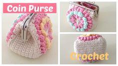 Monedero a crochet con boquilla, con granny squares
