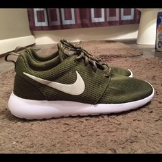 new product 22db1 bc99f Olive Green Nike ROSHE I hate to let these go, but theyre a