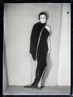 Nimet Eloui Bey vers 1930 photographed by Man Ray #1930sfashion