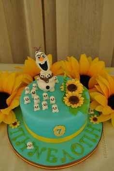 Frozen fever cake with sunflowers Olaf and snowgies - Frozen party Ideas. Frozen Fever Cake, Festa Frozen Fever, Frozen Theme Cake, Olaf Birthday Party, 3rd Birthday Cakes, Lily Cake, Elsa Cakes, Sunflower Cakes, Disney Frozen Party