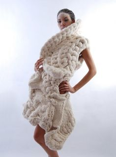Wearable Crochet Art - The Johan Ku 'Emotional Sculptures' Line is a Chunky Knit Fashion Statement (GALLERY) Knitwear Fashion, Knit Fashion, Knitting Designs, Knitting Patterns, Extreme Knitting, Chunky Knitwear, Big Knits, Yarn Bombing, Crochet Art