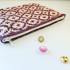 "Alex from Vienna auf Instagram: ""#crochet #crocheting #crochetlove #crochetaddict #crochetastherapy #craftastherapy #crochetgirlgang #instacrochet #ilovecrochet…"" Crochet Clutch, Girl Gang, Vienna, Etsy Store, Crocheting, Zip Around Wallet, Unicorn, Coin Purse, Tapestry"