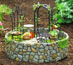 Réaliser un mini jardin relève de l'art floral et du travail minutieux. Si vous aussi souhaitez vous adonner à créer de jolis jardins en miniatures, voici quelques idées en photos.