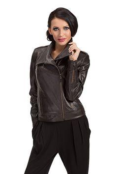 ramoneska, leather jacket, kurtka skórzana, polska marka, polish brand, verssen, woman outfit