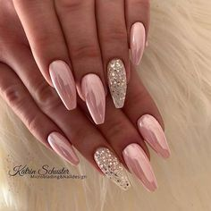 23 classy nail designs to inspire your next manicure beautiful nails nail art ideas that will inspire younail art arts nail art nails nails nail art nail art ideas nail art ideas 2020 Classy Nails, Elegant Nails, Stylish Nails, Glow Nails, Glitter Nails, Fun Nails, Pink Sparkly Nails, Pink Nail Art, Shellac Nails