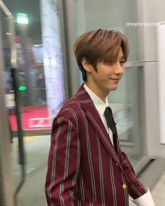 Find images and videos about kpop, boyfriend and nct on We Heart It - the app to get lost in what you love. Nct Dream Members, Huang Renjun, Daddy Long, Stylish Boys, Korean Name, Saranghae, Taeyong, Jaehyun, K Idols