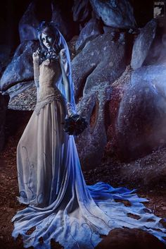 Emily (That, the Corpse Bride) is supposedly a lot like me. I should do this for Halloween! Halloween 2014, Diy Halloween Costumes, Holidays Halloween, Halloween Makeup, Costume Ideas, Halloween Ideas, Costume Zombie, Skeleton Costumes, Homemade Costumes