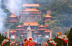 NANSHA TIN HAU PALACE / Facing the Lingdingyang (Lingding Ocean), the mouth of the Pearl River, Nansha Tin Hau Palace is a mazu temple on the southeastern slope of the Dajiao Mountain in Guangzhou City and covers about 100 hectares (247.1 acres).