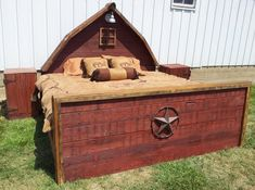 """Rustic Bed - Red """"Barn Bed"""" - Made from Authentic Barn Wood - Complete Set w/ 2 Nightstands - Full, Queen or King - Other Colors available Western Decor, Country Decor, Rustic Decor, Farmhouse Decor, Rustic Style, Country Style, Barn Wood Signs, Reclaimed Barn Wood, Red Bedding"""