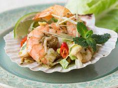 Scharfer Garnelensalat mit Thaikräutern