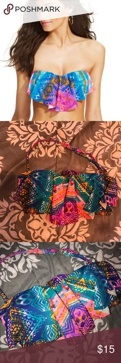 Jessica Simpson flounce bikini top Can be worn with straps or without. Sz small. Worn a few times. Jessica Simpson Swim Bikinis
