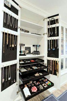walk in closet design jewelry cabinet ideas necklace organizers Dressing Room Closet, Dressing Room Design, Dressing Rooms, Dressing Area, Dressing Table, Walk In Closet Design, Closet Designs, Wardrobe Design, Jewelry Closet