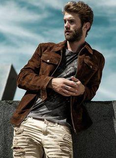 André Hamann veste calça e camiseta John John e jaqueta Noir Le Lis Foto: Jeff Segenreich (Salt Mgt)