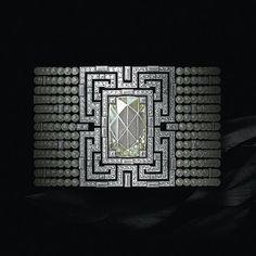 Design by @cartier #jewelry #jewellery #jewelryrendering #jewelrydesigner #jewelrydesign #cartier #necklace #diamond #diamonds #cushioncut #rosecut #showmeyourrings