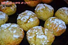 Ghriyba à La Noix de Coco http://luniversculinaire2nanou.blogspot.fr/2014/07/ghriyba-la-noix-de-coco.html