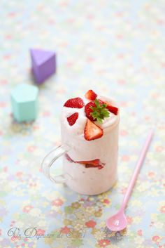 Mousse express aux fraises (sans oeufs)