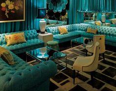 Tufted custom sofa... Classic!