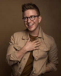 New post on tyleroakley Winter Outfits, Summer Outfits, Casual Outfits, Milan Fashion Weeks, New York Fashion, Ray Ban Frames, Ray Ban Polarized, Joey Graceffa, Tyler Oakley